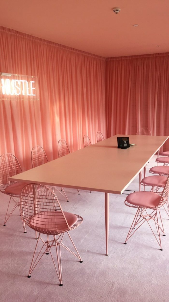 Missguided office Pink room