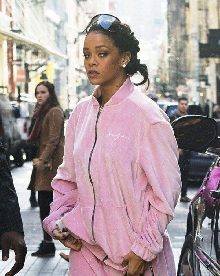 Celebrities wearing sean john: Rihanna in a pink tracksuit