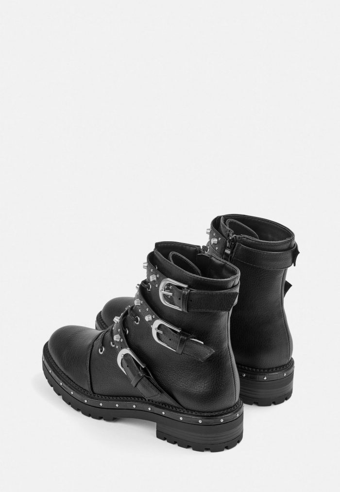 Black chunky winter boots